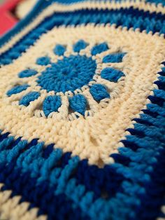 Provence Sunrise Sunset Crochet Blanket Free Pattern>>