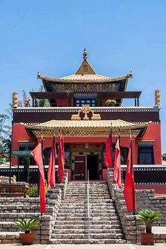 Templo Odsal Ling em Cotia-SP na matéria da Folha sobre onde encontrar locais de silêncio em São Paulo. http://www.odsalling.org/