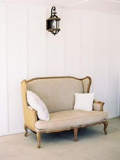 The Grandeur House Wedding with a Modern Farmhouse Style Used Wedding Decor, Wedding Decorations, Modern Farmhouse Style, Love Seat, Couch, Furniture, Home Decor, Settee, Decoration Home