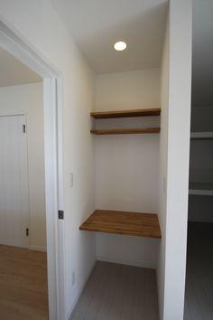 寝室奥には、主室にふさわしいゆとりを確保するウォークインクローゼットとプライベート性のある書斎ルーム。