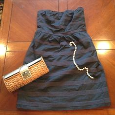 J Crew charcoal grey strapless dress In like new condition, worn once, no stains or etc! Has elastic around top to help hold up (as seen in 4th picture) zips up the back! Have pockets!!! J. Crew Dresses Strapless