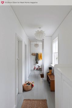 nice white hallway with light grey floor White Painted Floors, Painted Floorboards, Grey Floorboards, Painted Hardwood Floors, Hallway Inspiration, Interior Inspiration, Style At Home, Decoration Hall, Interior Exterior