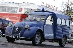 #Citroën #2CV #Police