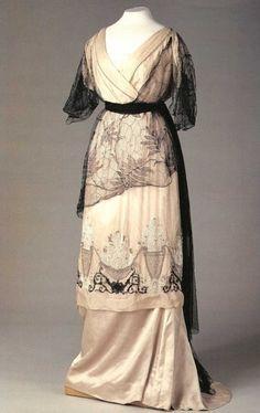 Gown worn by Empress Alexandra Feodorovna of Russia (1872-1918) by joan