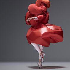 designers interpret NIKE AIR VaporMax through experimental costumes in movement