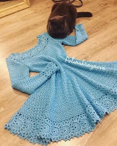 Crochet Dress for Women Free Pattern - crochet - Skirts & Dresses - Crochet Crochet Kids Hats, Crochet Gloves, Crochet Beanie, Crochet Poncho, Mode Crochet, Crochet Top, Crochet Books, Diy Crochet Dress, Flower Crochet