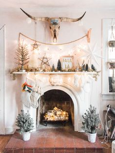 Fireplace Inspiration And Christmas Mantel Decor bohemian holiday mantel decorating ideasbohemian holiday mantel decorating ideas Diy Christmas Fireplace, Christmas Mantels, Christmas Home, Christmas Decorations, Christmas Print, Christmas Stocking, Cozy Fireplace, Christmas Christmas, Christmas Villages