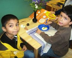 Literacy play centers provide reasons for children to use language! The McKinley cafe serves breakfast and lunch. Place your order now! Sociodramatic Play, Play Centre, Kids Board, Outdoor Play, Fun Learning, Literacy, Einstein, Kindergarten, Teaching