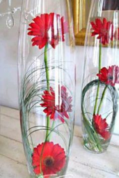 Bullet Vase with flowers - not gerberas though Gerbera, My Flower, Flower Vases, Flower Pots, Design Vase, Floral Design, Fleur Design, Fleurs Diy, Deco Floral