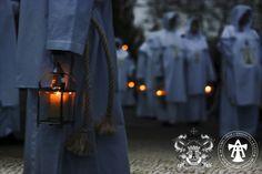 As Templárias - aqui numa das fotografias autorizadas do cortejo nocturno, na noite de sexta-feira para sábado (15 de Maio de 2015), que envolveu o Convento de Cristo e a Ermida de Nossa Senhora da Conceição (na foto).