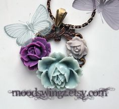 Flower wreath necklace in antique brass amathyst by MoodsWingz, $49.00