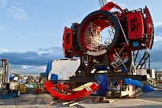 """Big Bertha - a massive tunneling machine being used in Seatle ... Something Called """"The Object"""" Stops World's Largest Tunneling Machine"""