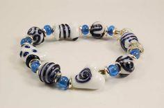 Glasschmuck-Weihnachtsarmband in weiß/blau  Glass-bracelet in white and blue