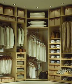 I like the use of corner in this closet