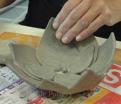 Latest Free of Charge beginner Ceramics projects Suggestions 11 DIY teuer schauende Geschenkideen Handgefertigte Keramik-Ideen Hand Built Pottery, Slab Pottery, Ceramic Pottery, Pottery Art, Ceramics Projects, Clay Projects, Clay Crafts, Diy Clay, Ceramic Techniques