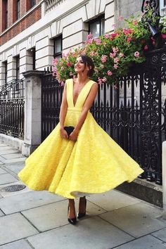 No matter your skin tone–fair, medium, or dark–yellow has the potential look incredible on everyone. Here are some of our favorite pieces in yellow for every complexion!