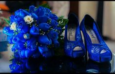 Zapatos para novia azul eléctrico