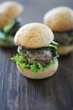 Beef sliders are the perfect appetizer and even more delicious with homemade chimichuri sauce. Make chimichuri beef sliders for your next get together! Cold Appetizers, Healthy Appetizers, Appetizer Recipes, Beef Sliders, Beef Burgers, Sausage Recipes, Beef Recipes, Healthy Recipes, Burger Recipes
