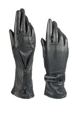 Les gants Agnelle par Anthony Vaccarello
