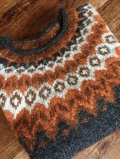 Riddari pattern by Védís Jónsdóttir Sie sind an der richtigen Stelle für. Riddari pattern by Védís Jónsdóttir Sie sind an der richtigen Stelle für hobby for men ide Knitting Designs, Knitting Projects, Tejido Fair Isle, Knitted Hats Kids, Icelandic Sweaters, Art Of Manliness, Winter Mode, Fair Isle Knitting, Knitting Patterns