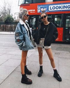 Images and videos of fashion Casual autumn outfit spring outfit summer Casual Summer Outfits autumn Casual fashion images Outfit spring Summer videos Summer Fashion Outfits, Casual Fall Outfits, Spring Outfits, Winter Outfits, Travel Outfits, Grunge Outfits, Simple Edgy Outfits, Travel Outfit Summer, Spring Dresses