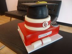 Accounting Graduation cake  www.bakedinmoore.com  #absolutorium