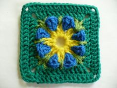 Free Crochet Pattern: Dimensional Flower Granny Square