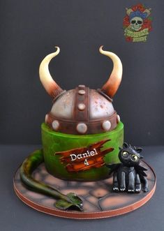 My Fave How to Train Your Dragon Cake Ever - by Karen Keaney (of Roses  Bows Cakery) on CakesDecor - http://cakesdecor.com/cakes/130626-how-to-train-your-dragon