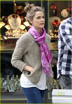 keri russell. cute sweater and always the perfect messy bun.