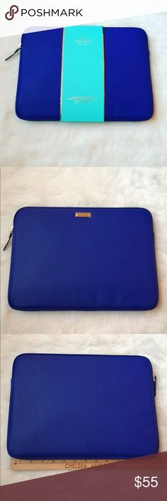 """Kate Spade 13 in laptop sleeve Work and travel have never looked better with the Kate Spade New York Saffiano Sleeve for 13"""" MacBooks. Compatible with most 13"""" laptops, the Saffiano Sleeve is scratch-resistant and easy to clean.⭐️BRAND NEW NEVER USED⭐️🚫NO TRADES LOWBALL OFFERS GET BLOCK🚫 kate spade Accessories Laptop Cases"""