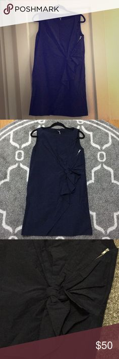 NWT COS Shift Dress Navy EU SZ 36/US 6 This is a cute dress for work! It is a shift fit, pretty casual. there is a knot/zipper detail on the front. COS Dresses