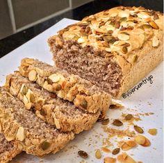 Uma seguidora aqui me pediu essa receita, esse foi meu primeiro pão que dei nos cursos, e é maravilhoso!! Então, vou colocá-lo aqui de novo!...
