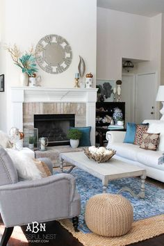 Get these tips to transition your living room from summer to fall décor. This fall living room makeover has tons of ideas to get your home ready for the fall season! See more on http://ablissfulnest.com/ #falldecor #falldecorideas #ad #Pier1Love