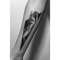 Venus dotwork tattoo