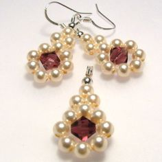 Swarovski set - Pearl beauty | JewelryLessons.com