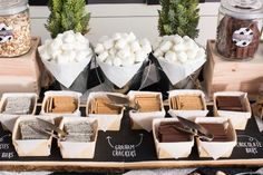 Time to get warm and cozy with a campfire favorite, S'mores. Spread s'more love with this Modern Rustic S'mores Food Bar at your wedding. Camping Wedding Theme, Camp Wedding, Rustic Wedding, Dream Wedding, Wedding Bonfire, Wedding Reception, Modern Wedding Theme, Wedding Foods, Wedding Catering