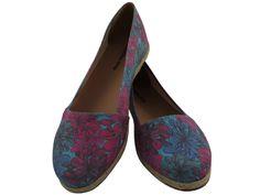 Alpargata Mariposa Rosa/Azul (Ref. 2287), por apenas R$79.90 + frete grátis! Para verificar a numeração e efetuar a compra é só entrar em contato pelo e-mail: vendas@sapatilhashop.com.br