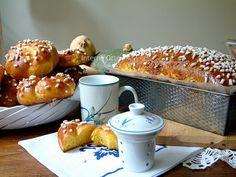 In effetti il doppio titolo ci sta tutto: la tradizione vuole che si chiami Pan di zucca , ma è a tutti gli effetti, una buonissima brioche...