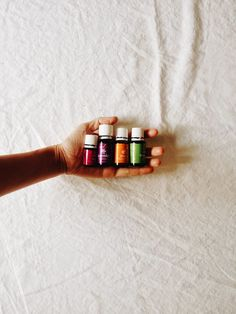it's the little things: essential oils // stress relief in motherhood