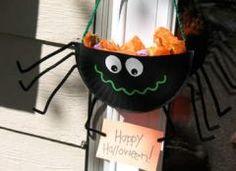 halloween citrouille empreinte de mains bricolage enfant halloween pinterest halloween. Black Bedroom Furniture Sets. Home Design Ideas