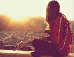 """""""Eu ando fingindo muito. Finjo que não me importo, finjo que não quero, finjo que não sinto, finjo que não vejo, finjo que esqueço."""" — Caio Fernando Abreu."""