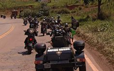 Grupo apaixonado por moto pega estrada e conhece um novo destino a cada fim de semana