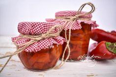 Nakládané kapie: recept na zavařování paprik   Kreativní Techniky Wine, Vegetables, Bottle, Food, Red Peppers, Flask, Essen, Vegetable Recipes, Meals