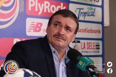 """""""Partido difícil, últimamente se ha convertido en un clásico jugar ante Panamá, con una mejoría notable y un patrón de juego con buen fútbol"""" Óscar Ramírez"""