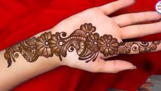 Simple Mehendi designs to kick start the ceremonial fun. If complex & elaborate henna patterns are a bit too much for you, then check out these simple Mehendi designs. Henna Hand Designs, Mehndi Designs Finger, Mehandi Design For Hand, Latest Arabic Mehndi Designs, Mehndi Designs For Girls, Mehndi Designs For Beginners, Mehndi Designs 2018, Mehndi Designs For Fingers, Stylish Mehndi Designs