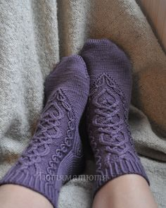 Not a fan of knitting socks but these are beautiful. Ravelry: The Daughter Heir pattern by SammiLynn Crochet Socks, Knitted Slippers, Knitting Socks, Free Knitting, Knit Crochet, Knit Boots, Knitting Projects, Lana, Knitting Patterns