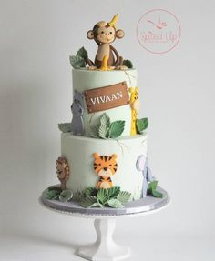 You are in the right place about Birthday Cake decorating Here we offer you the most beautiful pictures about the Birthday Cake gold you are looking for. When you examine the part of the picture you c Jungle Birthday Cakes, Jungle Theme Cakes, Boys First Birthday Cake, Animal Birthday Cakes, Safari Cakes, Wild One Birthday Party, Safari Birthday Party, Themed Birthday Cakes, 1 Year Old Birthday Cake