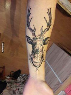 Beautiful Deer Tattoo Ideas 2018 - Hirsch - Tattoo Designs For Women Hirsch Tattoo Arm, Hirsch Tattoos, Leg Tattoos, Body Art Tattoos, Sleeve Tattoos, Tattoos For Guys, Natur Tattoo Arm, Natur Tattoos, Nature Tattoo Sleeve