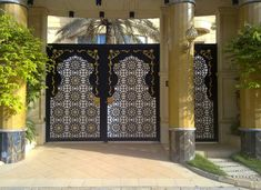 Steel gates & decorative doors Free Website Templates, Door Knobs, Stables, Decorative Doors, Windows, Steel, Gates, Projects, Home Decor