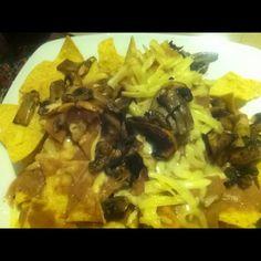 nachos con champiñones frijoles y queso